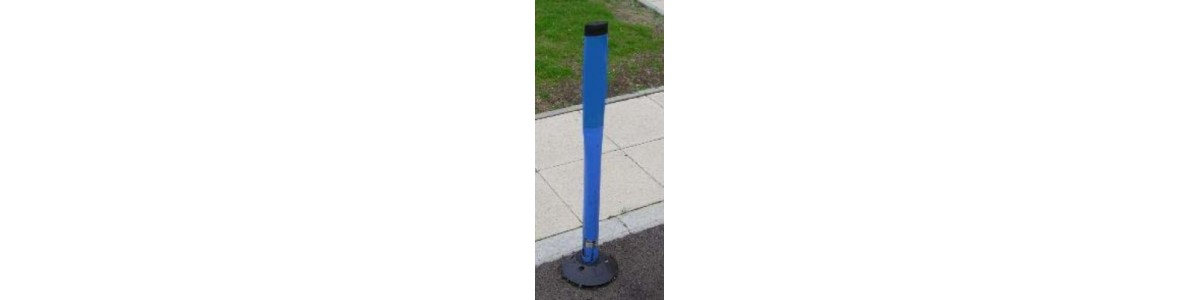 Lane marking posts