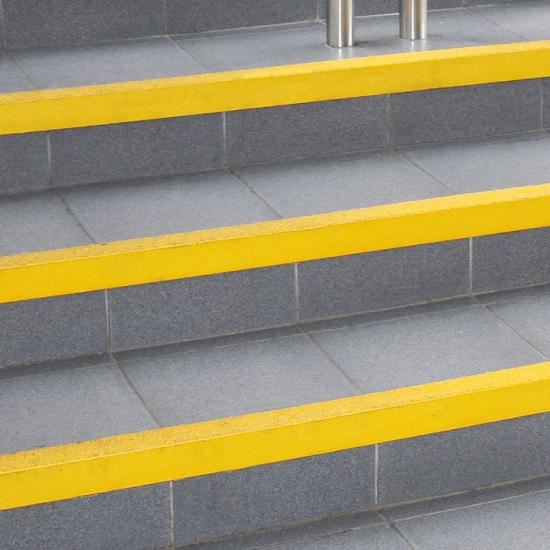 Stair nosing anti slip safety surface - Yellow